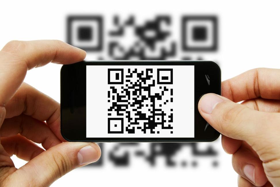 Потребуется одолжить чей-то смартфон и вставить в него свою SIM-карту